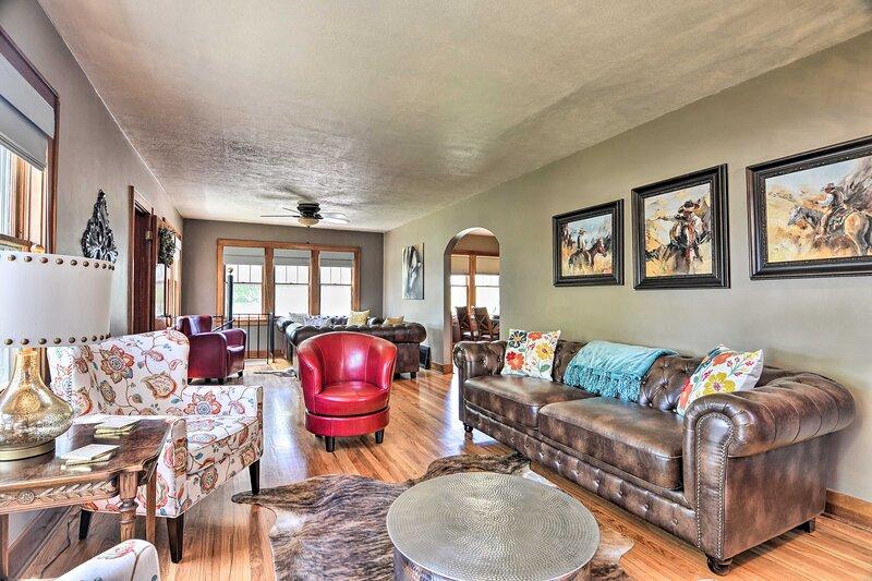 NEW! Charming Home w/ Yard, 1 Mi to Frontier Park!, location de vacances à Cheyenne