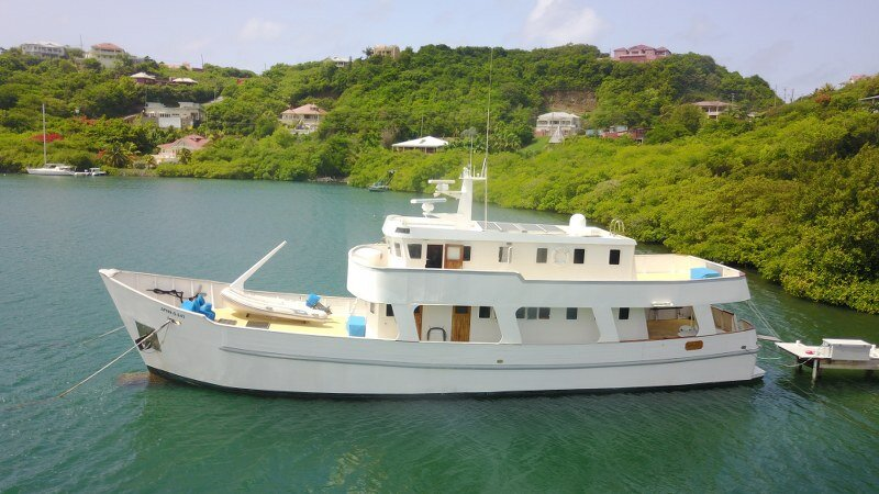 85' Expedition vessel available for charter in Grenada and her beautiful islands, holiday rental in St. George's