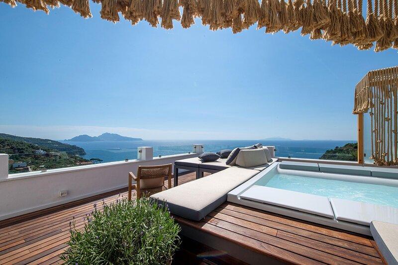 Casa Mariavittoria - Panoramic sea view with hot tub, holiday rental in Marina di Puolo