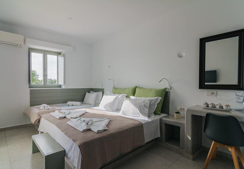 Olive Garden Luxury Resort Paros Pool & Seaview Suite II, alquiler de vacaciones en Aliki