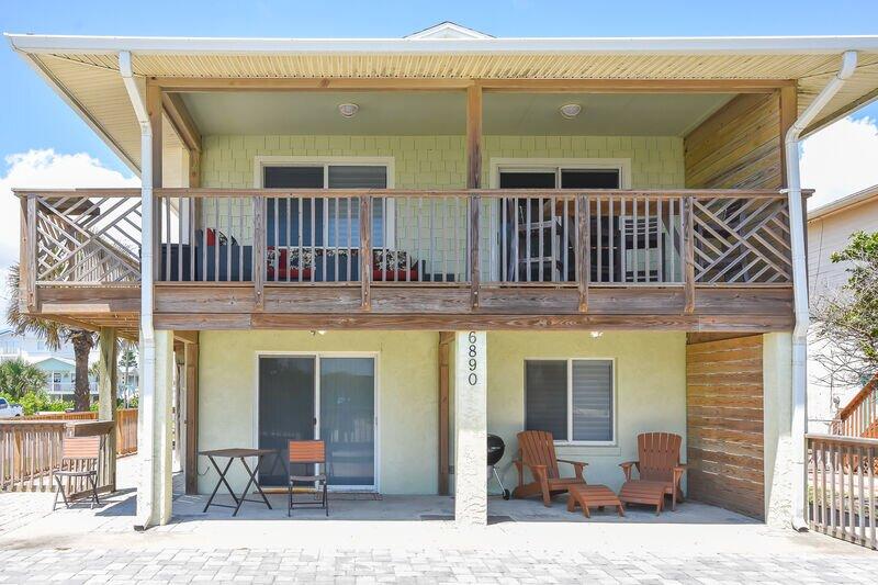 6890S - Just Beachy Ocean View Beach Home, alquiler de vacaciones en Oak Hill