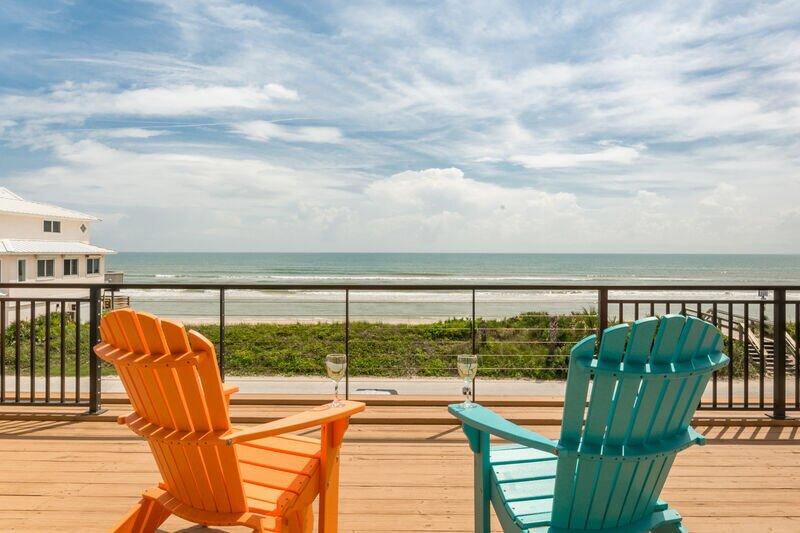 6060S - Oceanfront Vacation Dream Home, alquiler de vacaciones en Oak Hill