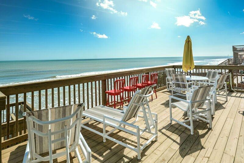 6847S - Direct Oceanfront with 4 Levels of Decks, alquiler de vacaciones en Oak Hill