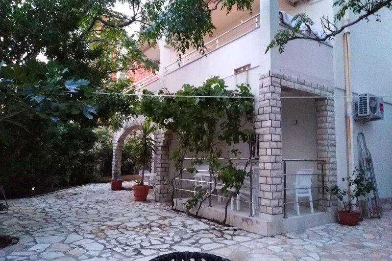 Vidalici Apartment Sleeps 5 with Air Con - 5893823, holiday rental in Vidalici