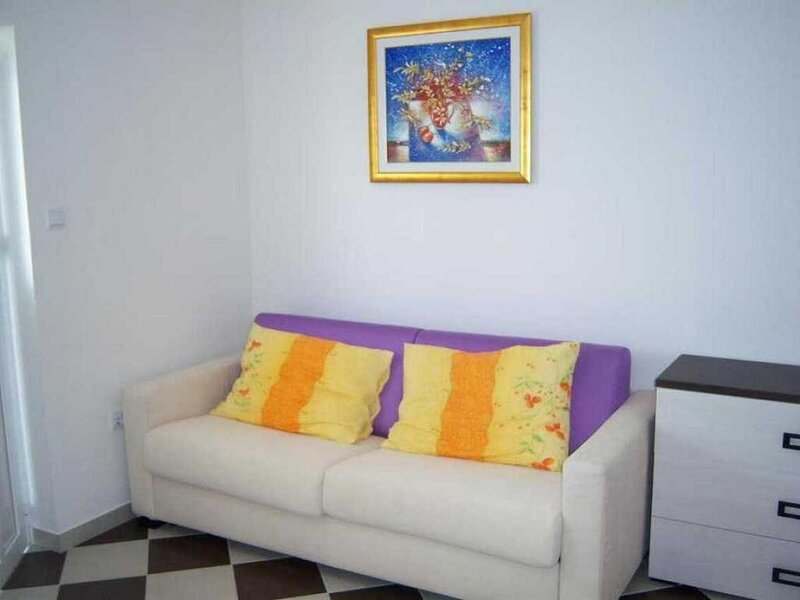 Vidalici Apartment Sleeps 5 with Air Con - 5893824, holiday rental in Vidalici