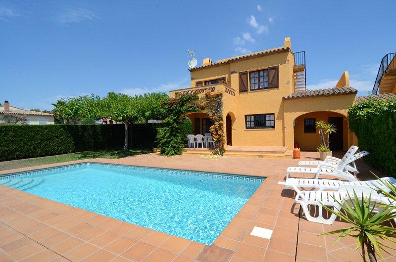 ANDORRA 2, holiday rental in Torroella de Montgri
