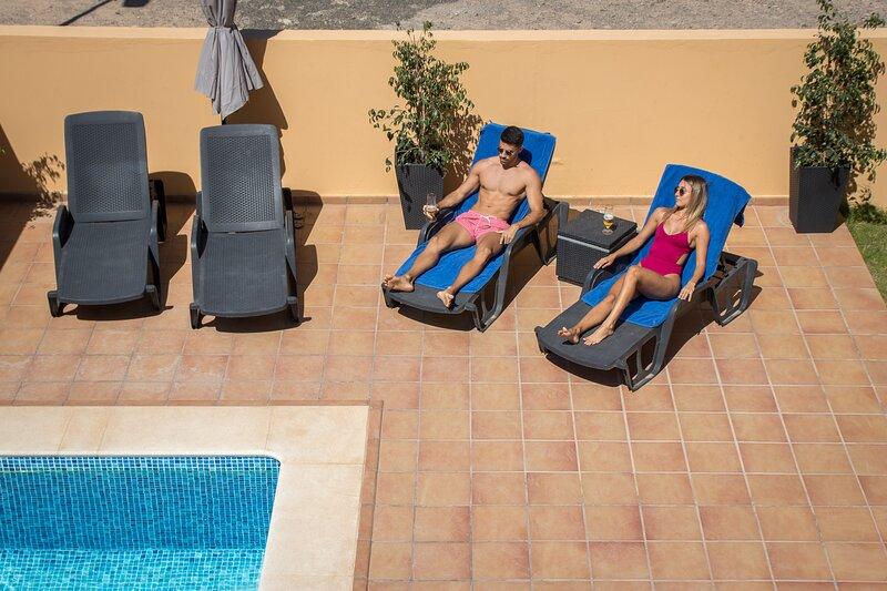Flatguest Villa Veneguera + Seaview + Pool + Garden, aluguéis de temporada em Costa Meloneras