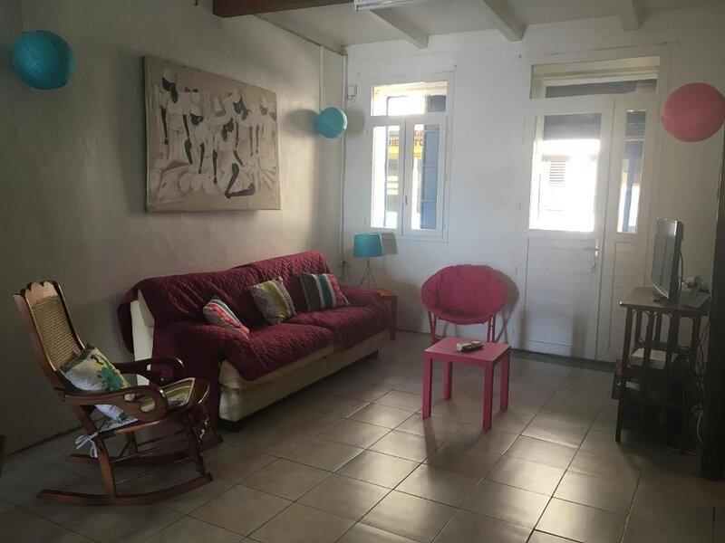 Amazing house with sea view & Wifi, location de vacances à Saint-Pierre