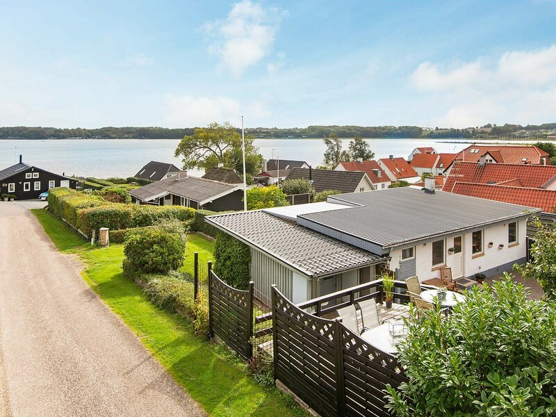 Balmy Holiday Home in Hejls with sea view, vacation rental in Christiansfeld
