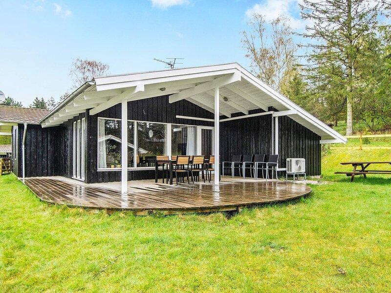 Garden-view Holiday Home in Jutland with Sauna, location de vacances à Femmoeller