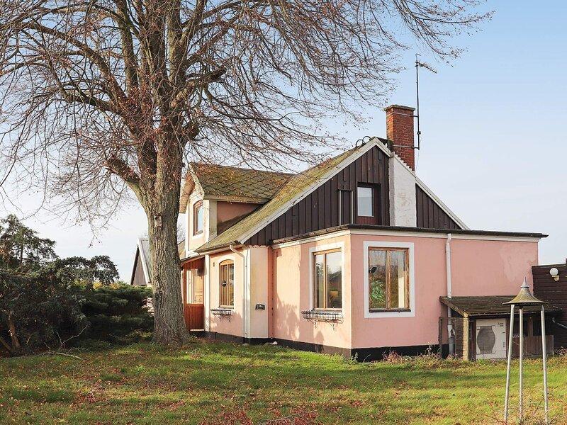 6 person holiday home in SIMRISHAMN, location de vacances à Brosarp