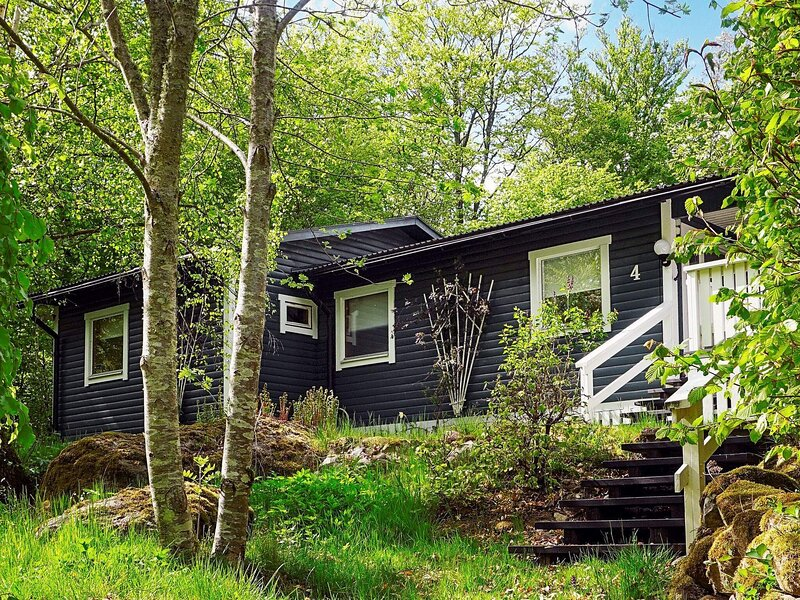 9 person holiday home in DRÄKNE-HOGBY – semesterbostad i Ronneby