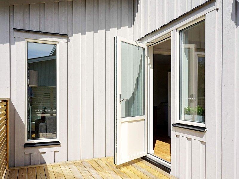 5 person holiday home in STRÖMSTAD, location de vacances à Halden Municipality
