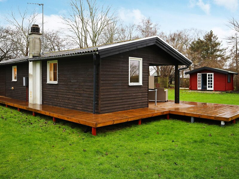 6 person holiday home in Kirke Hyllinge, location de vacances à Skibby