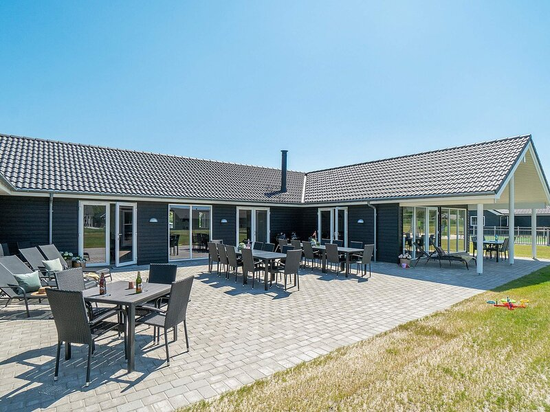 5 star holiday home in Nørre Nebel, casa vacanza a Lonne