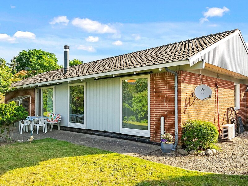 8 person holiday home in Kruså, holiday rental in Aabenraa