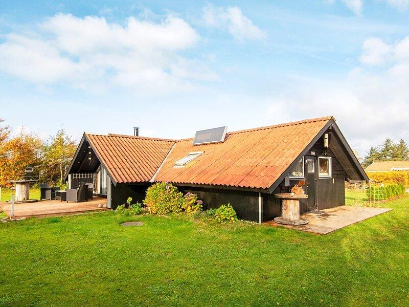 6 person holiday home in Ulfborg, casa vacanza a Ulfborg