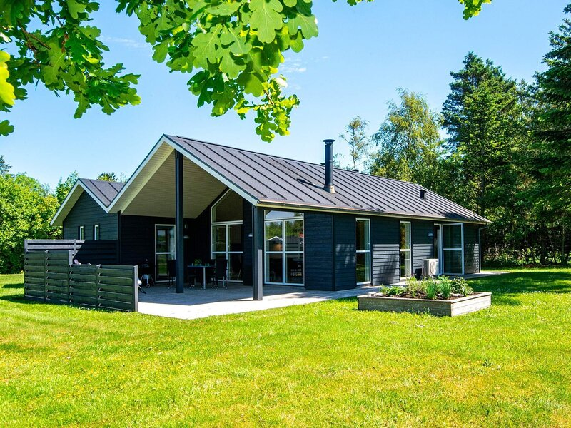 6 person holiday home in Løgstør, holiday rental in Vesthimmerland Municipality