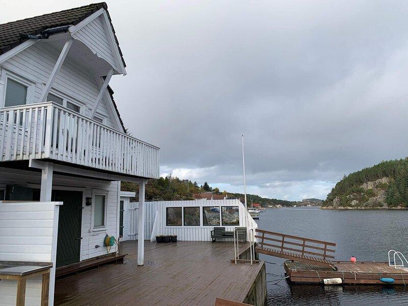 8 person holiday home in Urangsvåg, aluguéis de temporada em Stord Municipality