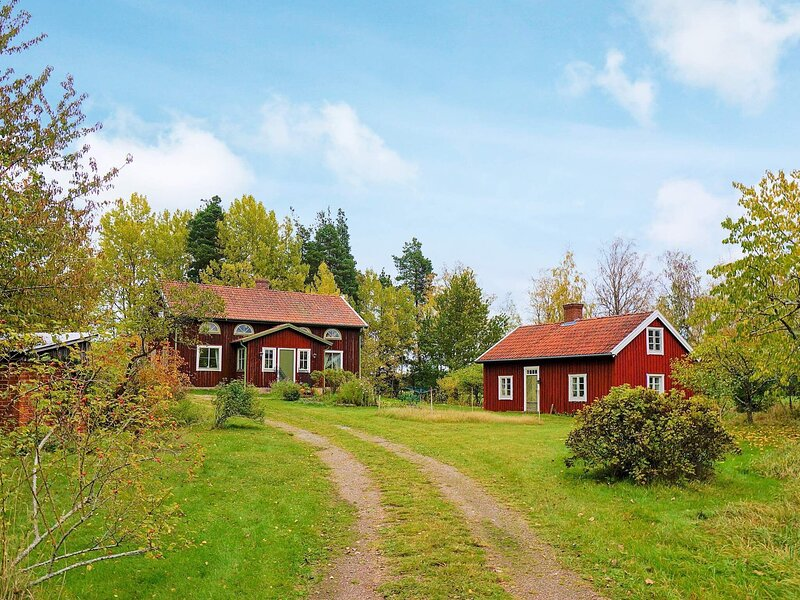 4 person holiday home in MARIESTAD, holiday rental in Mariestad
