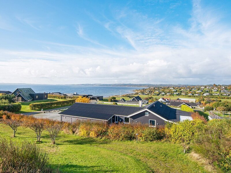 4 star holiday home in Ebeltoft, holiday rental in Egsmark Strand