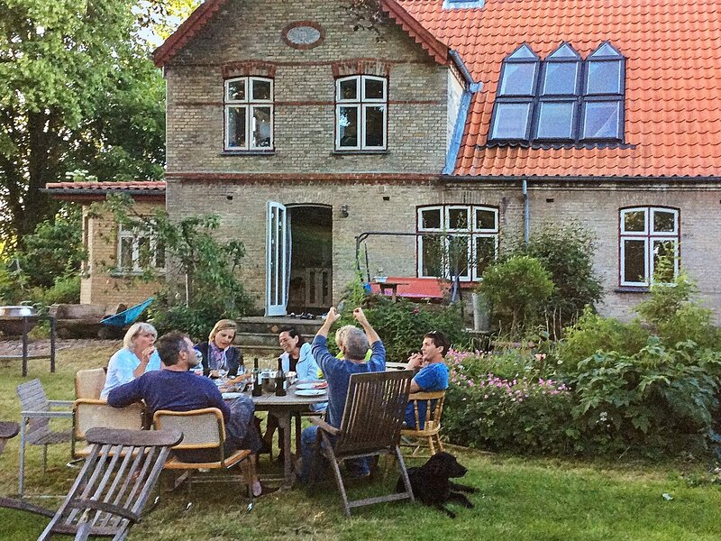 10 person holiday home in Sønderborg, location de vacances à Rinkenaes