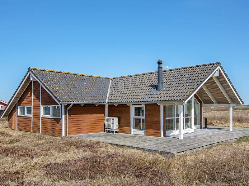 4 star holiday home in Lemvig, holiday rental in Ferring