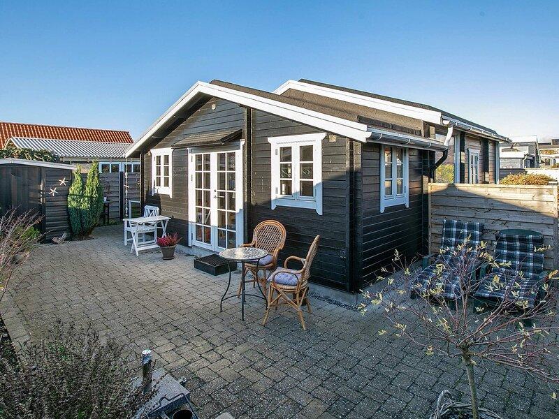 4 person holiday home in Karrebæksminde, alquiler vacacional en South Zealand