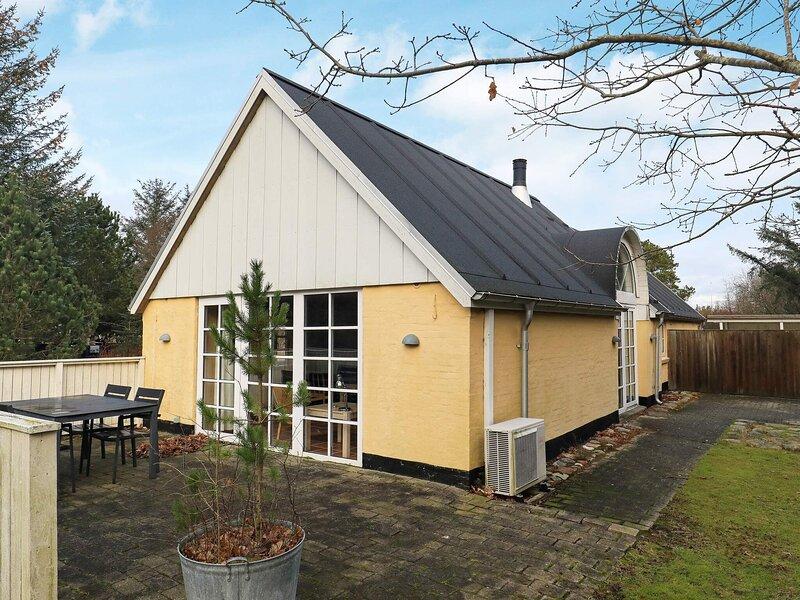 8 person holiday home in Ålbæk, holiday rental in Napstjaert