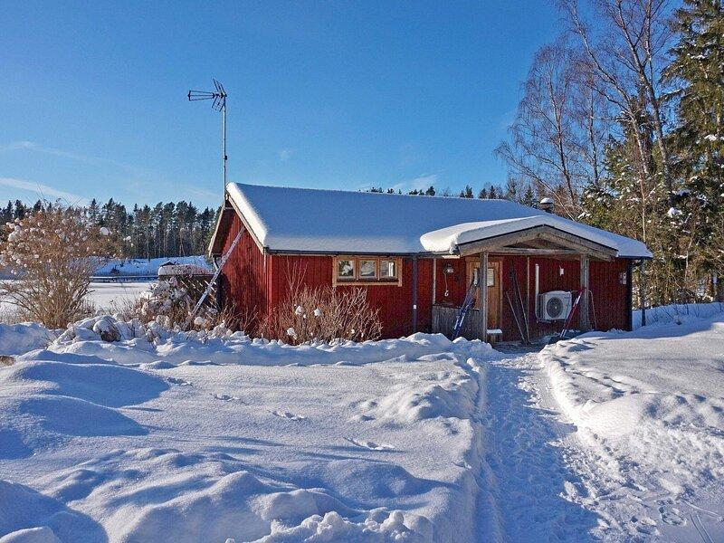 5 person holiday home in BJÖRKÖ, location de vacances à Vaddo