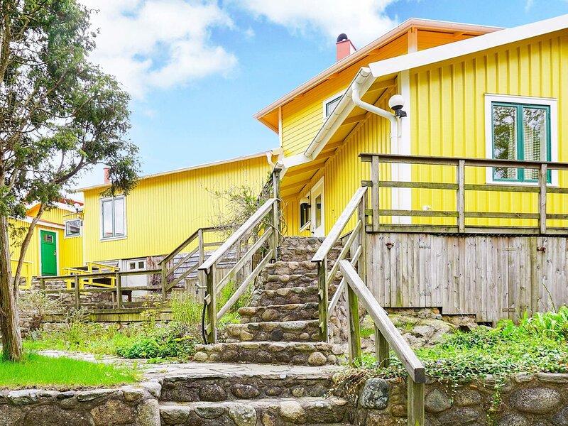 4 star holiday home in FISKEBÄCKSKIL – semesterbostad i Fiskebäckskil