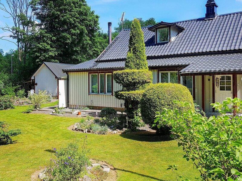5 person holiday home in LANDERYD, alquiler de vacaciones en Bolmsö