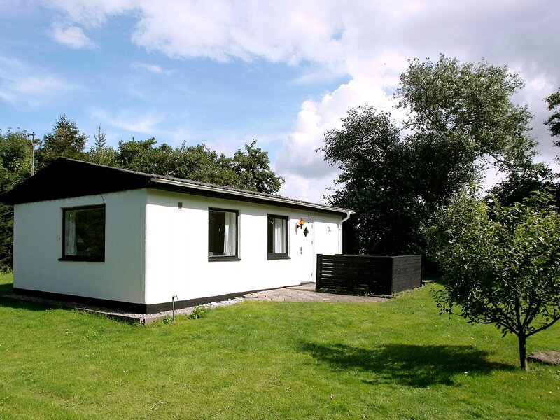Cozy Holiday Home in Erslev with Ocean nearby, location de vacances à Jorsby