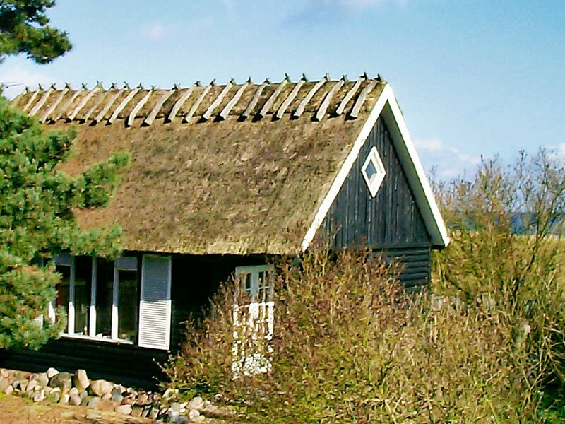 Cozy Holiday Home in Stege with Sea View, alquiler vacacional en Rødvig