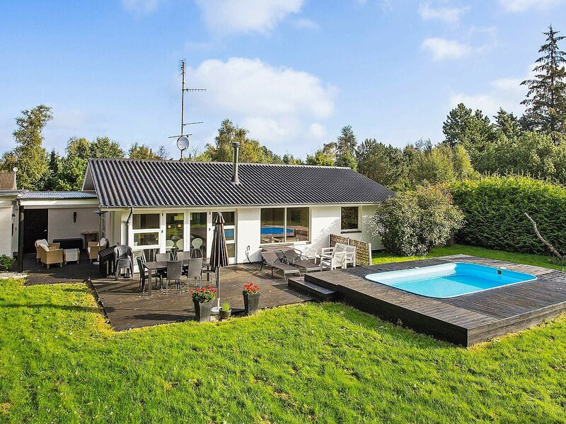 Sprawling Holiday Home in Væggerløse with Private Pool, holiday rental in Falster