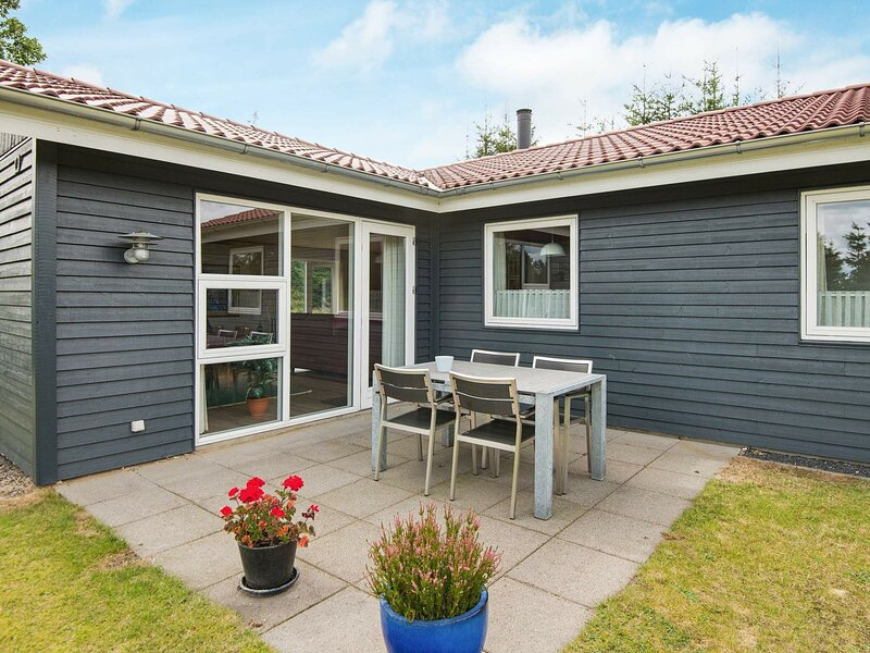 Splendid Holiday Home in Bording with Terrace, holiday rental in Brande