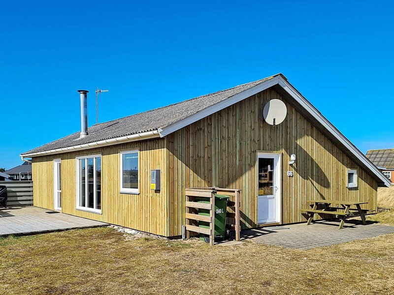 Elegant Holiday Home in Thisted with Sauna, holiday rental in Skyum