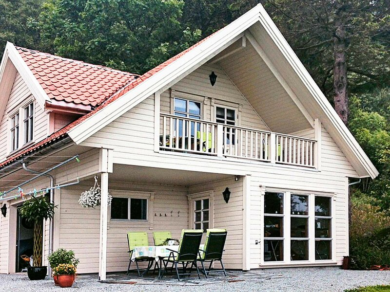 4 star holiday home in tau, holiday rental in Hjelmeland