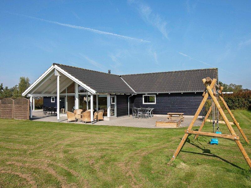 Fabulous Holiday Home in Vaeggerlose with Sauna, alquiler vacacional en Falster