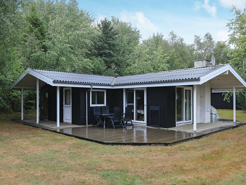 Lovely Holiday Home in Roslev with Sauna, holiday rental in Nykobing Mors