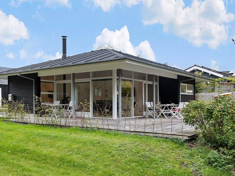 Elegant Holiday Home in Hals with Whirlpool, location de vacances à Hals