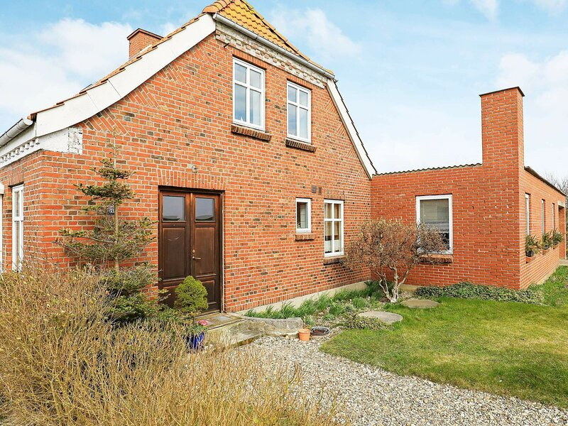 Lovely Holiday Home in Lemvig near Sea, holiday rental in Ferring