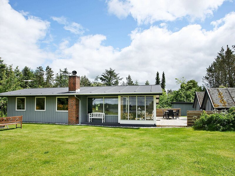 Spacious Holiday Home in Højslev near Sea, holiday rental in Skive