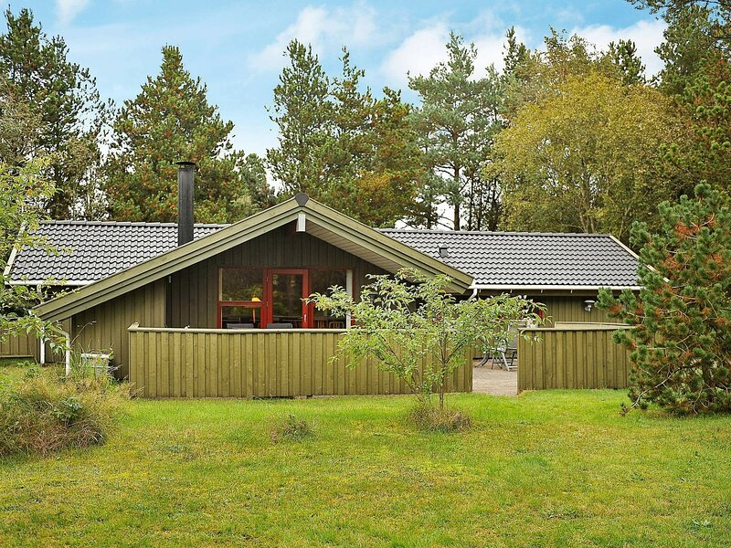 Secluded Holiday Home in Jutland with Whirlpool, casa vacanza a Lonne