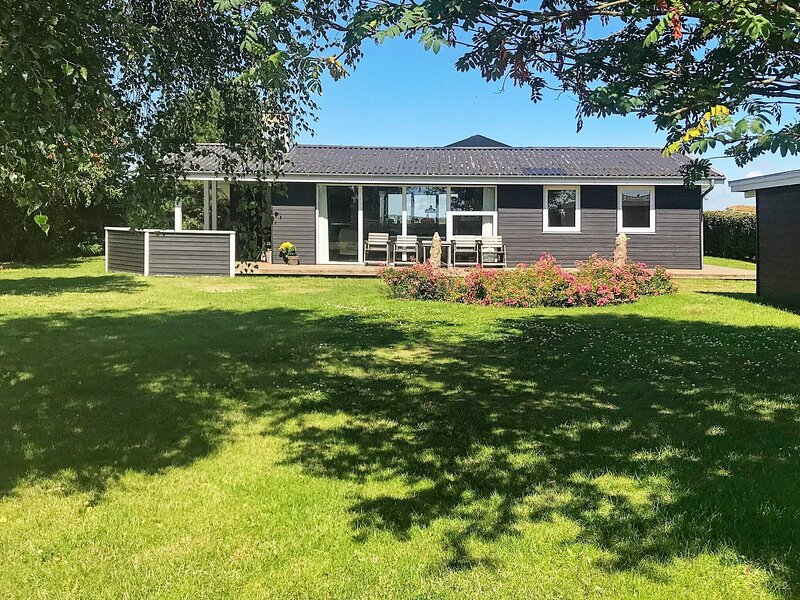 Modern Holiday Home in Ebeltoft near Sea, holiday rental in Balle