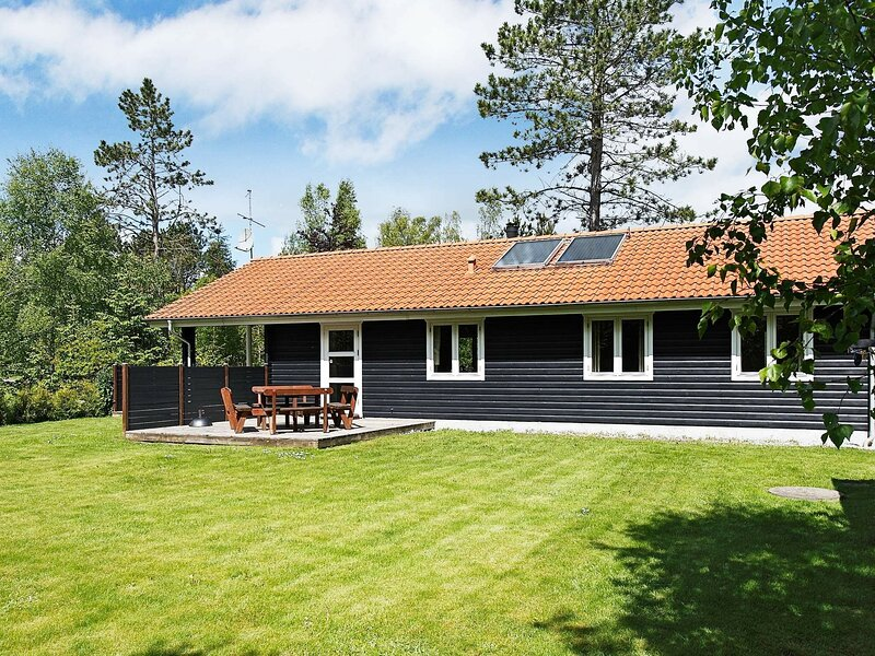 Enchanting Holiday Home in Hadsund with Whirlpool, casa vacanza a Mariagerfjord Municipality