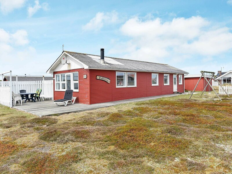 Cozy Holiday Home in Hvide Sande near Sea, alquiler vacacional en Skodbjerge