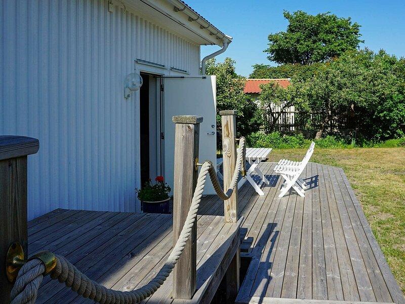 4 person holiday home in Öckerö, holiday rental in Kladesholmen