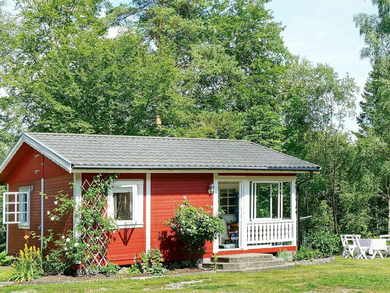 4 person holiday home in TORUP, holiday rental in Lidhult