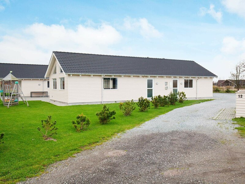 Luxurious Holiday Home in Væggerløse with Swimming Pool, holiday rental in Gedser